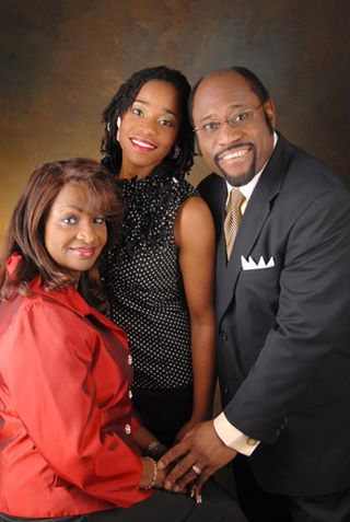shocking plane crash dr myles munroe along with his wife died in